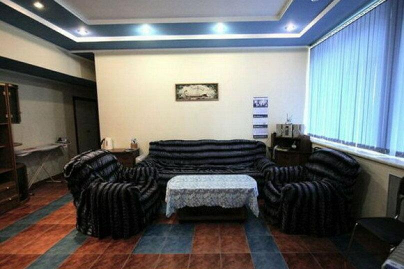 Гостиница Карина, Целинная улица, 23 на 3 комнаты - Фотография 1