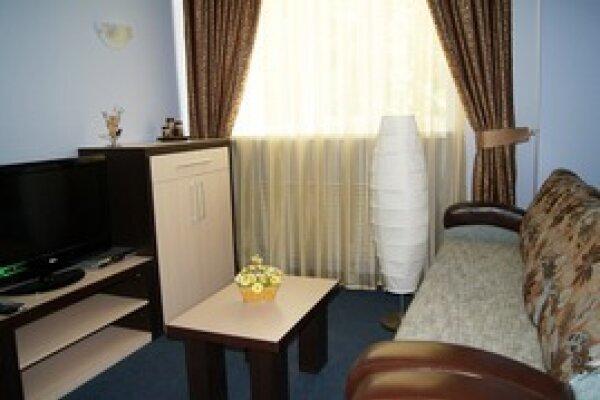 Гостиница, улица Мезенцева, 34 на 19 номеров - Фотография 1