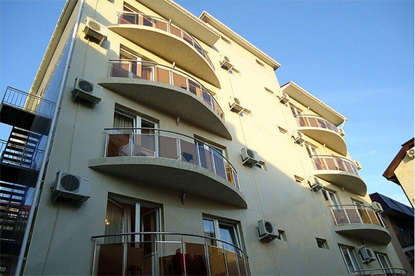 Гостевой дом Ростислав, улица Роз, 22 на 2 комнаты - Фотография 1