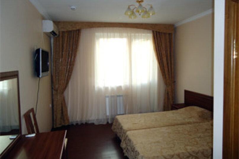 Гостевой дом Ростислав, улица Роз, 22 на 2 комнаты - Фотография 7