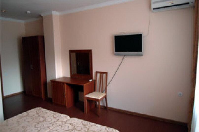 Двухместный номер, улица Роз, 22, Витязево - Фотография 1