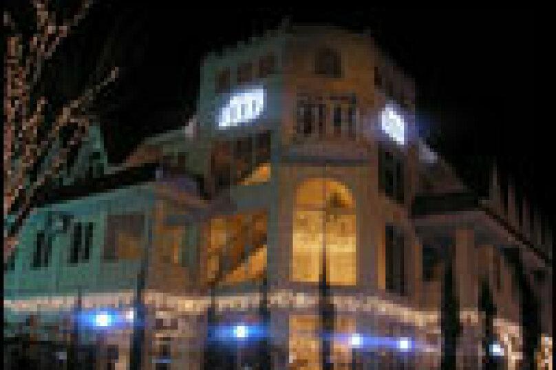 Мини-отель Риф, улица Просвещения, 19В на 23 номера - Фотография 1