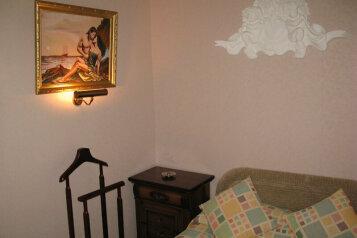 Греческий двухкомнатный номер:  Номер, Люкс, 2-местный, 2-комнатный, Отель, Галактионовская улица, 32 на 5 номеров - Фотография 3