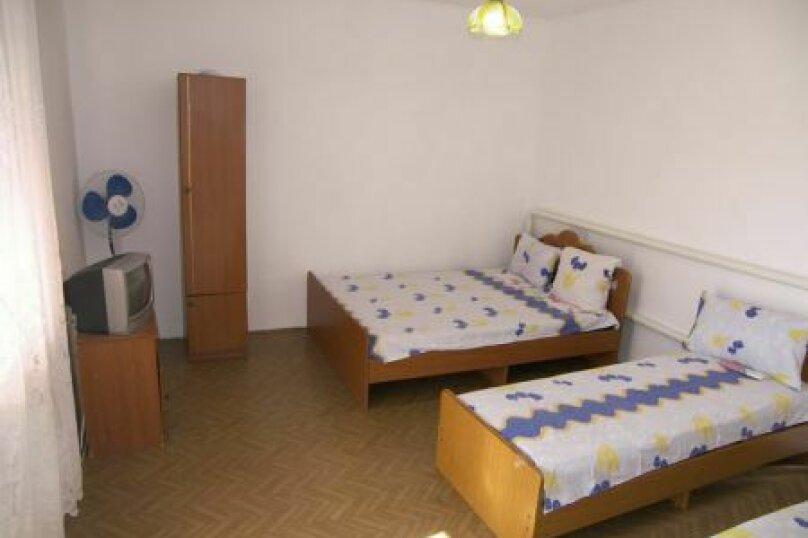 Гостевой дом Джули, Черноморская улица, 150 на 22 комнаты - Фотография 43
