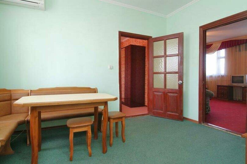 Отдельная комната, Садовая улица, 120, Краснодар - Фотография 1