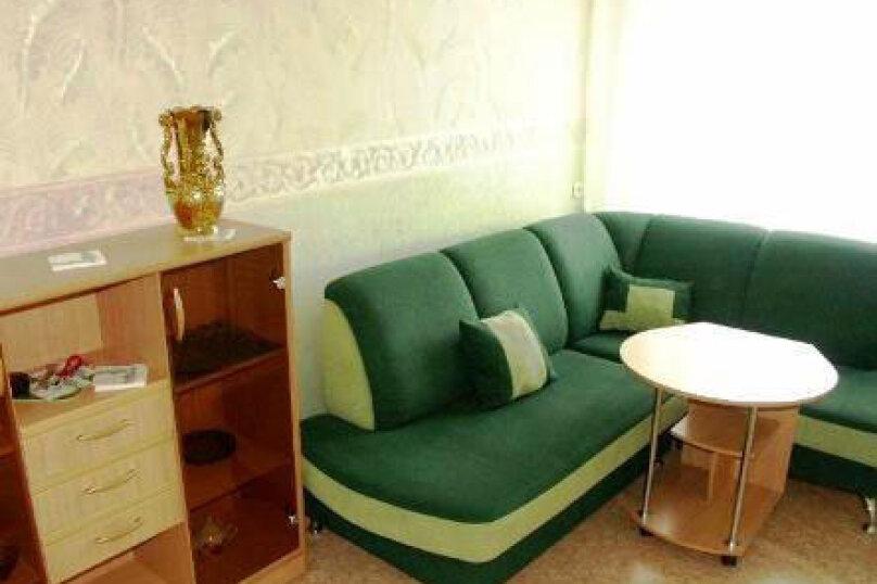 """Мини-отель """"Кедр"""", улица 26 Бакинских Комиссаров, 21 на 49 номеров - Фотография 1"""