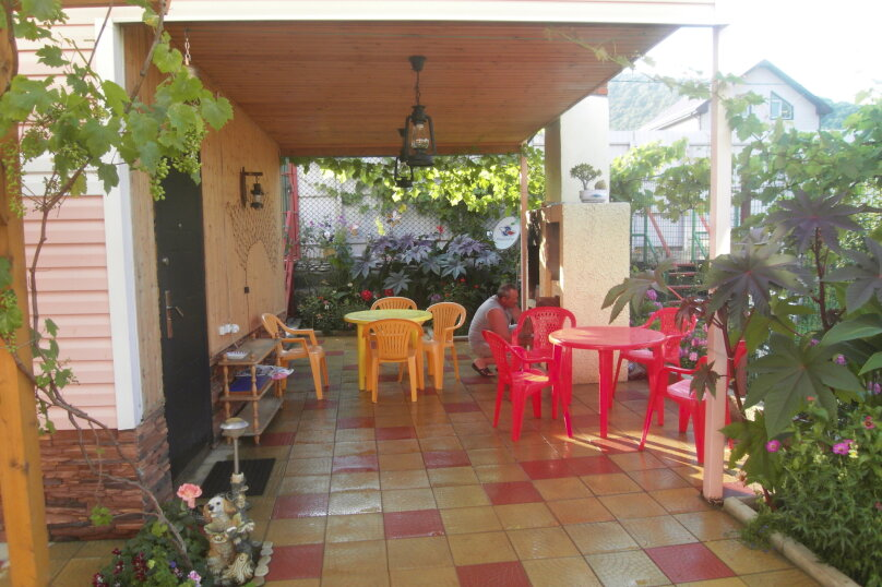 Гостевой дом Розовый дом, Центральная улица, 25Б/2 на 21 комнату - Фотография 5