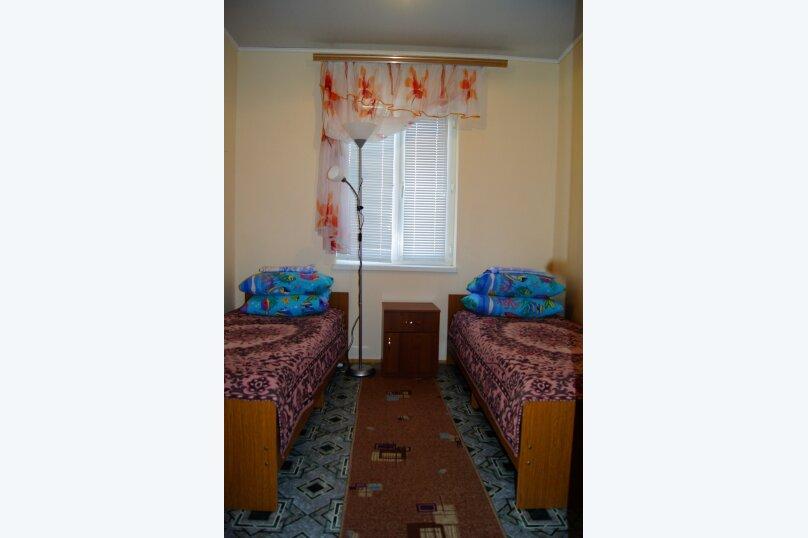 """Гостевой дом """"Веста"""", Азовская улица, 11 на 4 комнаты - Фотография 4"""