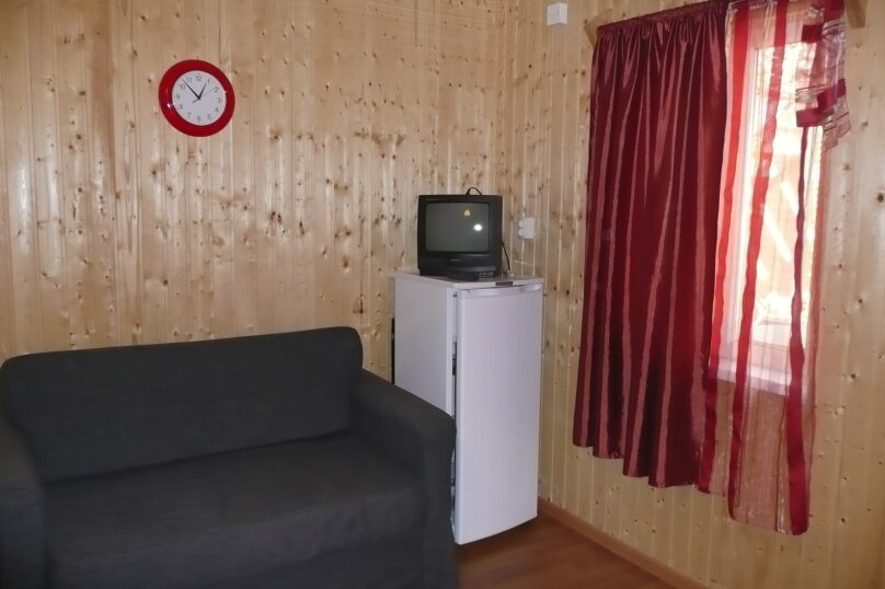 """Гостевой дом """"На Калинина 223"""", улица Калинина, 223 на 5 комнат - Фотография 14"""