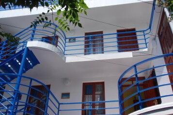 Мини-отель, улица Ленина на 10 номеров - Фотография 1