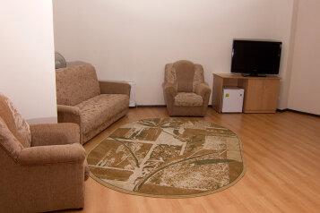 Номер:  Номер, Эконом, 2-местный, 1-комнатный, Гостиница, Коммунистическая улица, 2 на 13 номеров - Фотография 3
