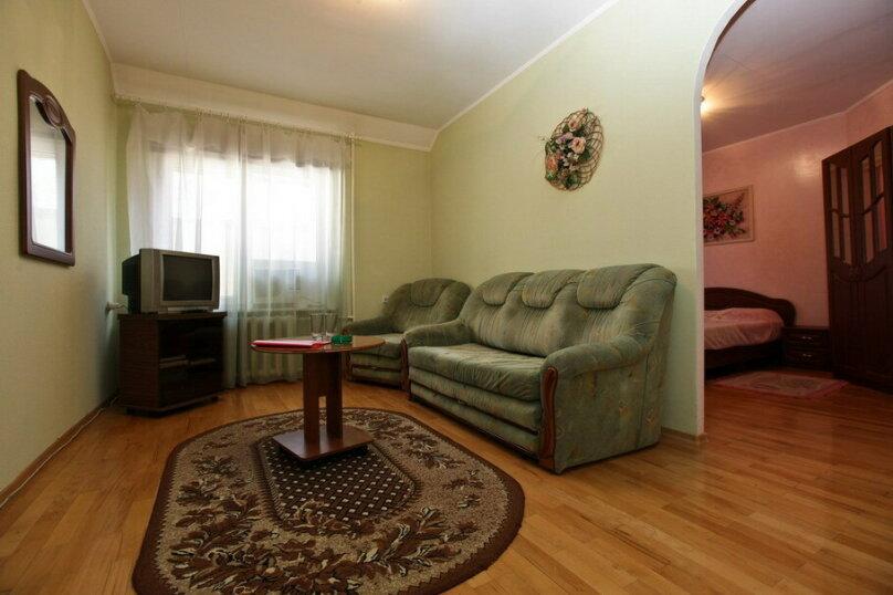 Большой номер с двумя раздельными кроватями, Ставропольская улица, 126, Краснодар - Фотография 1