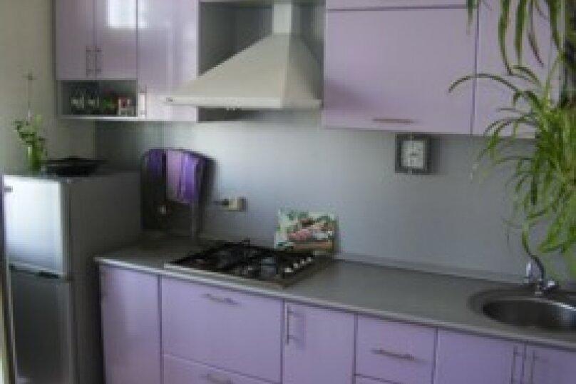 1-комн. квартира, 35 кв.м. на 1 человек, улица Щорса, 40, Белгород - Фотография 1