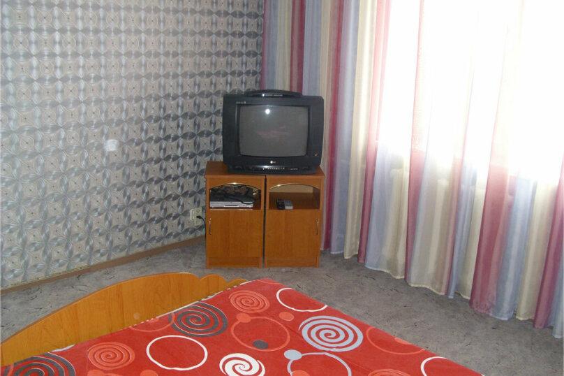 2-комн. квартира, 55 кв.м. на 4 человека, улица Куйбышева, 136, Омск - Фотография 5