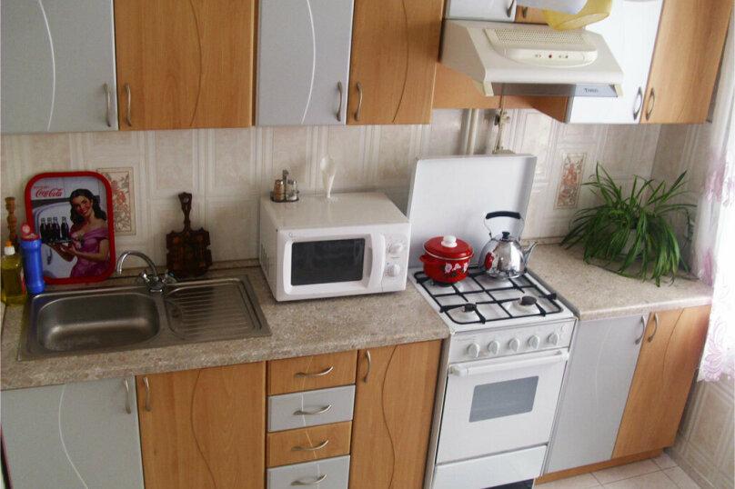 2-комн. квартира, 55 кв.м. на 4 человека, улица Куйбышева, 136, Омск - Фотография 4