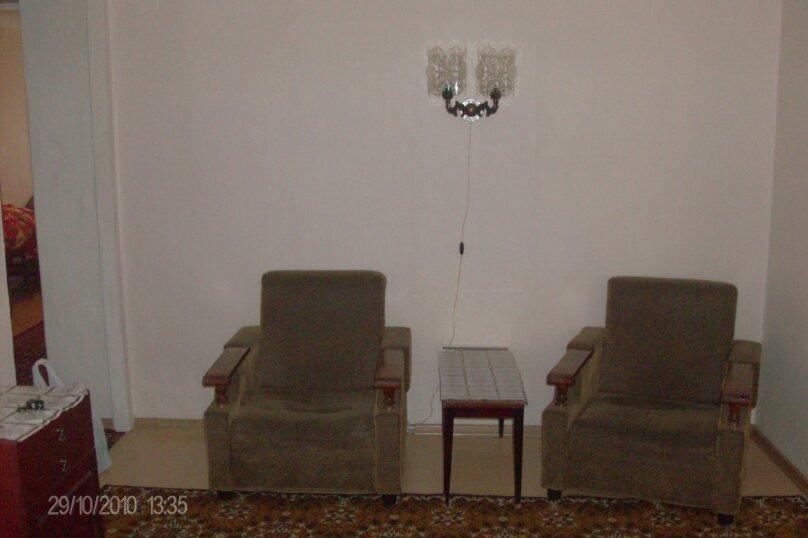 3-комн. квартира, 60 кв.м. на 6 человек, улица Серова, 4Б, Омск - Фотография 4