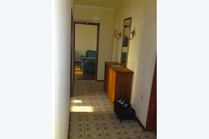2-комн. квартира, 54 кв.м. на 2 человека, Взлётная улица, 2, Красноярск - Фотография 2