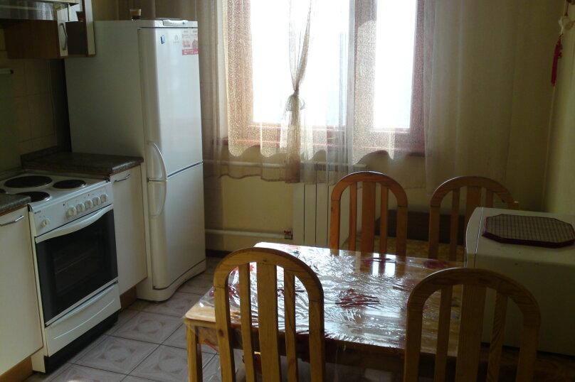 2-комн. квартира, 54 кв.м. на 2 человека, Взлётная улица, 2, Красноярск - Фотография 6