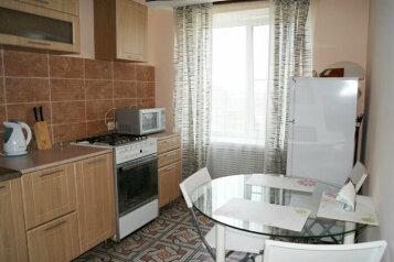 2-комн. квартира, 56 кв.м. на 4 человека, улица Лейтейзена, Советский район, Тула - Фотография 4