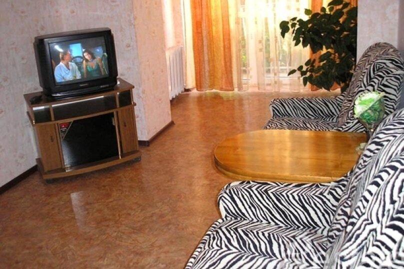 1-комн. квартира, 33 кв.м. на 3 человека, улица Мельникайте, 100, Тюмень - Фотография 2