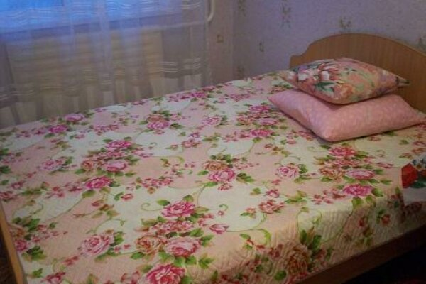 2-комн. квартира, 48 кв.м. на 4 человека, Павловский тракт, 66, Индустриальный, Барнаул - Фотография 1