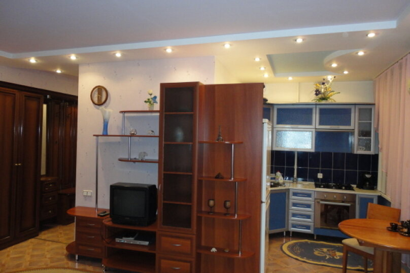 2-комн. квартира, 50 кв.м. на 4 человека, улица Гагарина, 16, Волгоград - Фотография 2