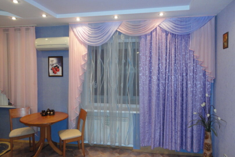 2-комн. квартира, 50 кв.м. на 4 человека, улица Гагарина, 16, Волгоград - Фотография 1