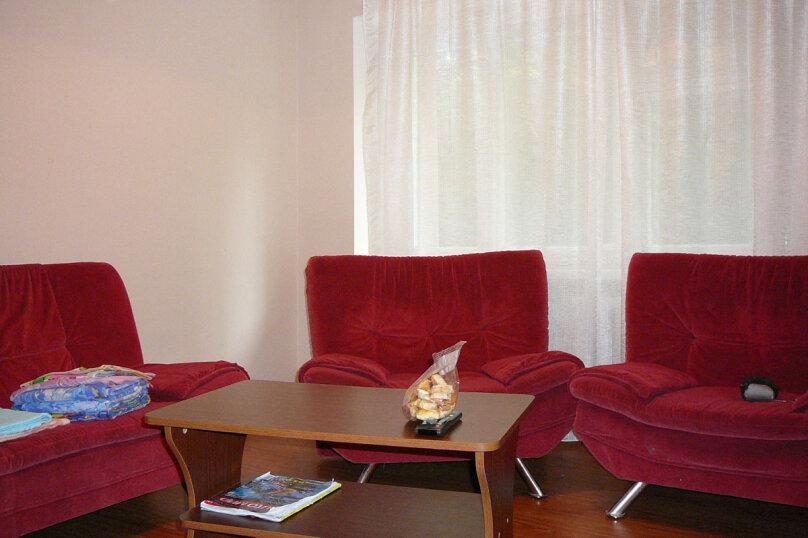 2-комн. квартира, 45 кв.м. на 2 человека, Пр-т 100 лет Владивостоку, 64а, Владивосток - Фотография 2