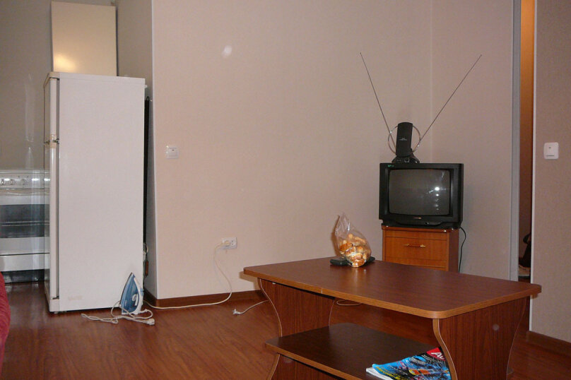 2-комн. квартира, 45 кв.м. на 2 человека, Пр-т 100 лет Владивостоку, 64а, Владивосток - Фотография 3