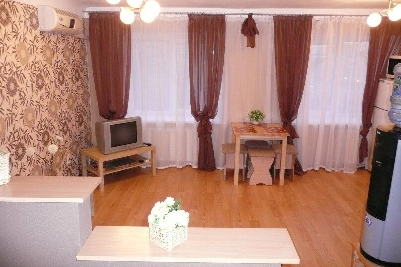 2-комн. квартира, 44 кв.м. на 5 человек, улица Орджоникидзе, 27, метро Площадь Ленина, Новосибирск - Фотография 2