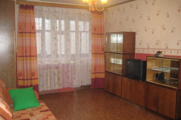 1-комн. квартира, 36 кв.м. на 4 человека, улица Батюшкова, 12, Зашекснинский район, Череповец - Фотография 1