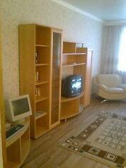 2-комн. квартира, 78 кв.м. на 6 человек, Старомосковская улица, 20, Орел - Фотография 1