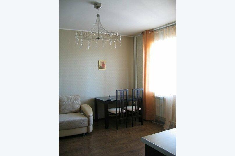 2-комн. квартира, 44 кв.м. на 2 человека, ул. Желябова, 23а\1, Иркутск - Фотография 1