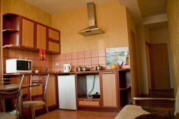 2-комн. квартира, 44 кв.м. на 2 человека, ул. Желябова, 23а\1, Правобережный округ, Иркутск - Фотография 2