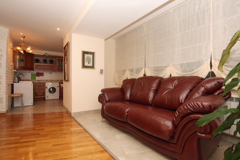 2-комн. квартира, 65 кв.м. на 4 человека, улица Цвиллинга, 34, Челябинск - Фотография 7