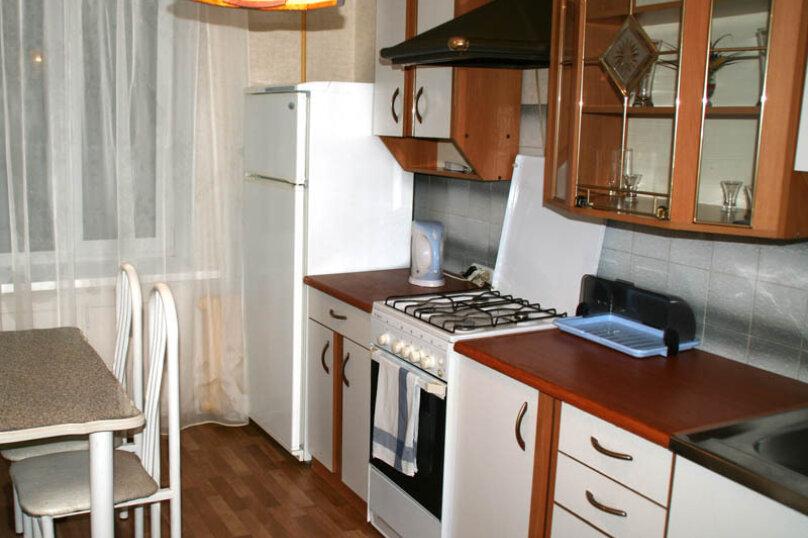 2-комн. квартира, 60 кв.м. на 4 человека, улица Чайковского, 62, Екатеринбург - Фотография 8