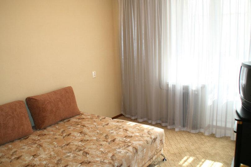 2-комн. квартира, 60 кв.м. на 4 человека, улица Чайковского, 62, Екатеринбург - Фотография 10