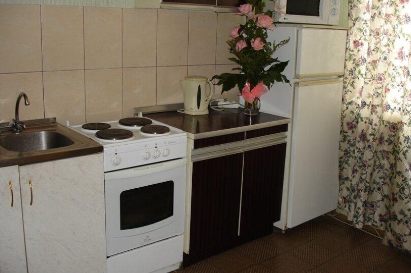 1-комн. квартира, 30 кв.м. на 2 человека, улица Фрунзе, 100, Екатеринбург - Фотография 2