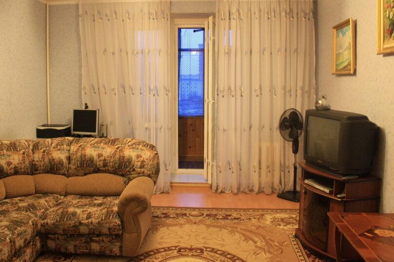 2-комн. квартира, 72 кв.м. на 4 человека, Чистопольская улица, 85, Казань - Фотография 1