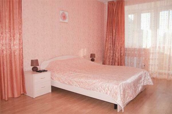 1-комн. квартира, 50 кв.м. на 4 человека, улица 8 Марта, 173, Чкаловский район, Екатеринбург - Фотография 1