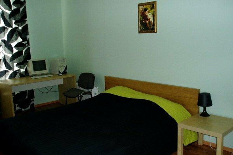 2-комн. квартира, 80 кв.м. на 4 человека, улица 8 Марта, 194, Екатеринбург - Фотография 6