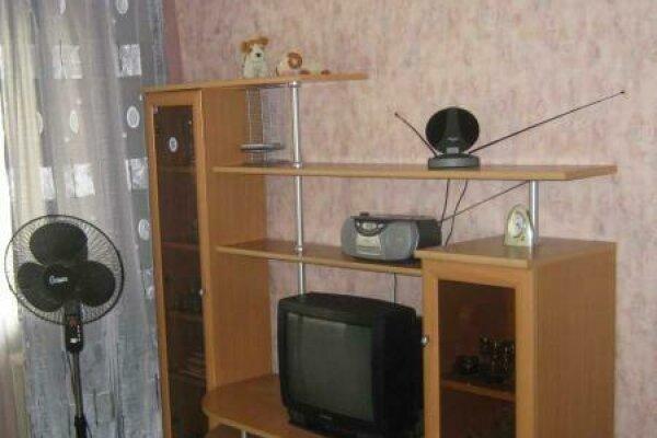1-комн. квартира, 33 кв.м. на 4 человека, улица Степана Разина, 74, Ленинский район, Екатеринбург - Фотография 1