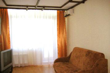 1-комн. квартира, 34 кв.м. на 2 человека, проспект Степана Разина, 72, Автозаводский район, Тольятти - Фотография 1