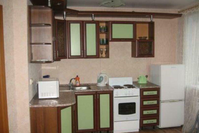 1-комн. квартира на 2 человека, улица Молодогвардейцев, 48, Челябинск - Фотография 1