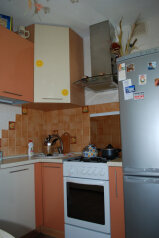 2-комн. квартира, 56 кв.м. на 2 человека, улица Свердлова, 65, Березники - Фотография 4