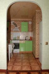 3-комн. квартира, 60 кв.м. на 5 человек, улица Потемина, 4, Березники - Фотография 1