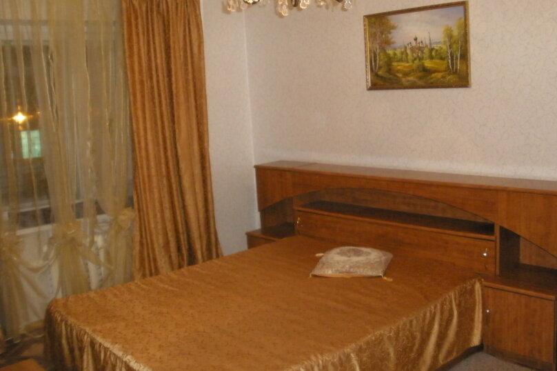 2-комн. квартира, 56 кв.м. на 7 человек, Московский проспект, 129, Ярославль - Фотография 1