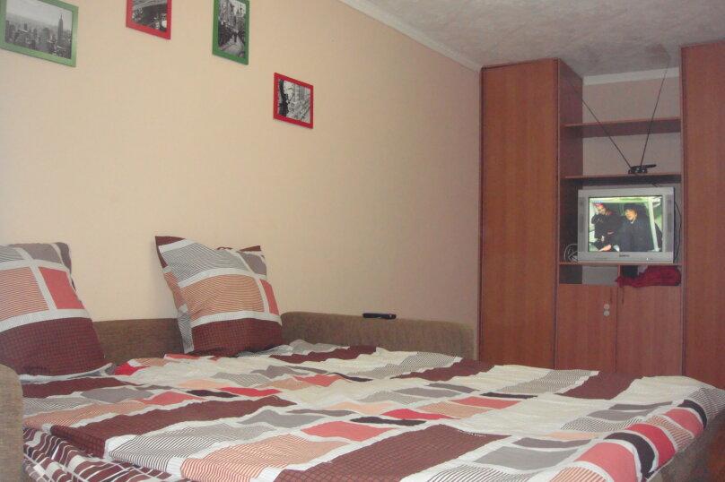 1-комн. квартира, 39 кв.м. на 3 человека, улица Челюскинцев, 23, метро Уральская, Екатеринбург - Фотография 1