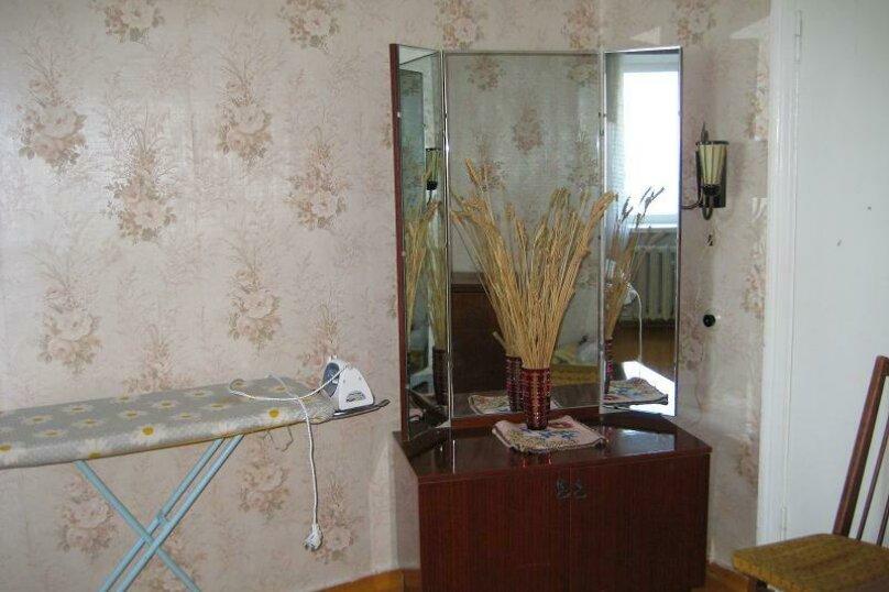 2-комн. квартира, 45 кв.м. на 4 человека, набережная Адмирала Серебрякова, 61, Новороссийск - Фотография 13