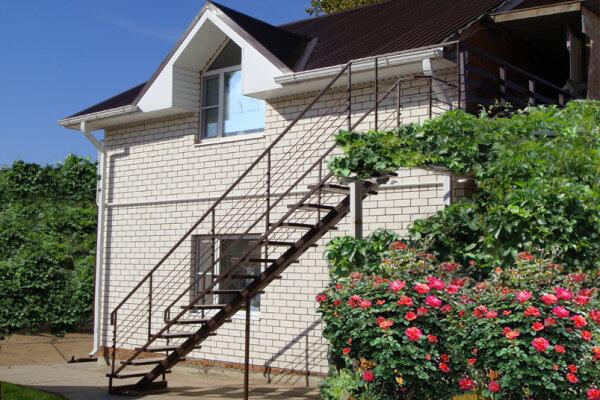 Гостевой дом, Набережная , 35-А на 10 номеров - Фотография 1